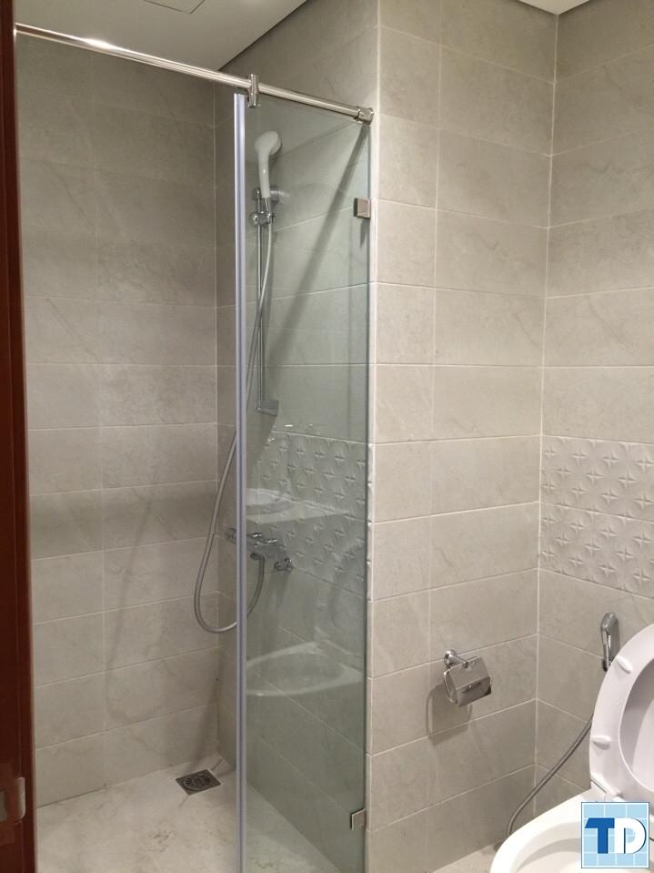 Phòng tắm đứng sang trọng hiện đại