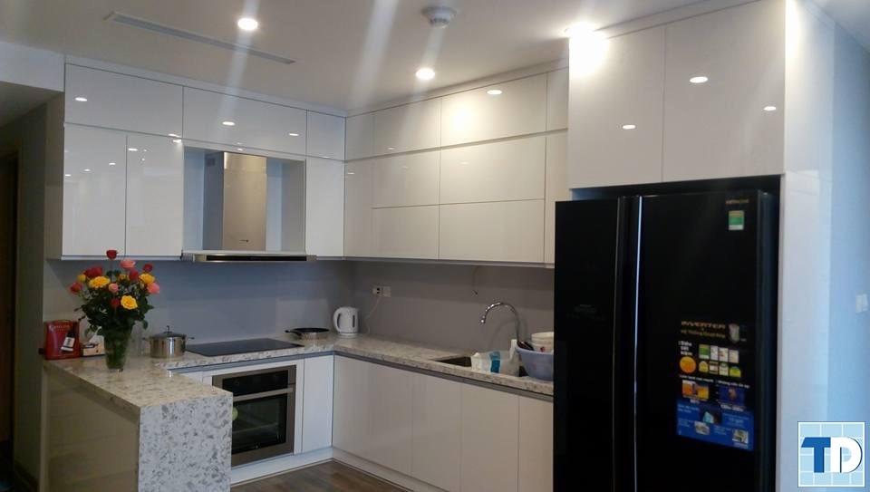 Phòng bếp tiện nghi với thiết kế hiện đại