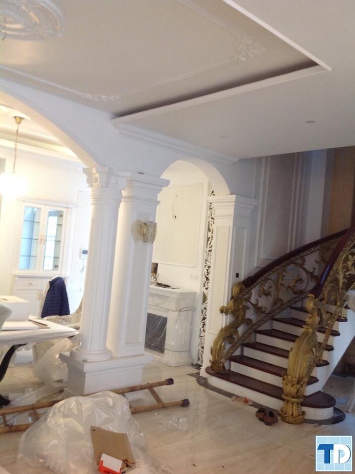 Lối lên cầu thang