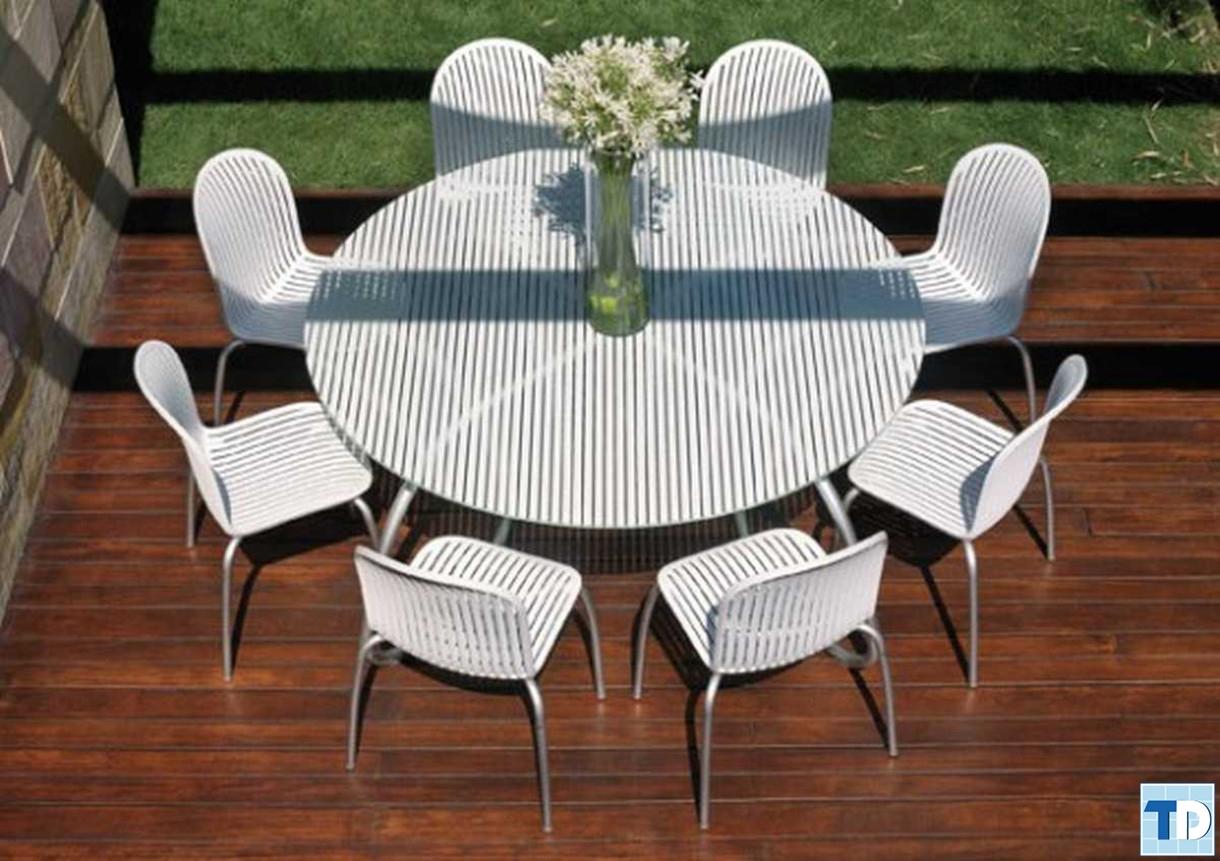 Bộ bàn ghế sân vườn theo phong cách phương Tây