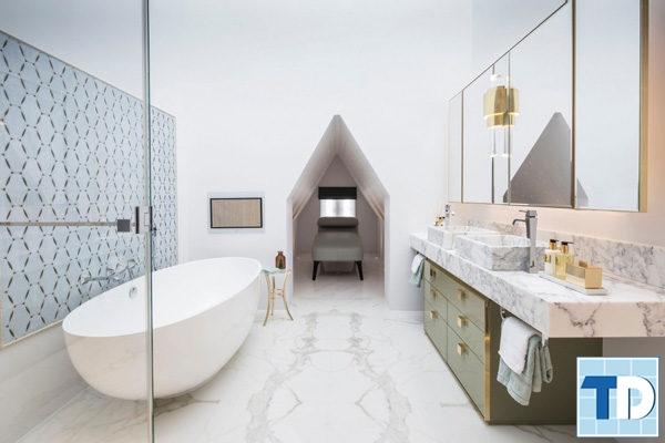 Phòng tắm sang trọng với các thiết bị cao cấp