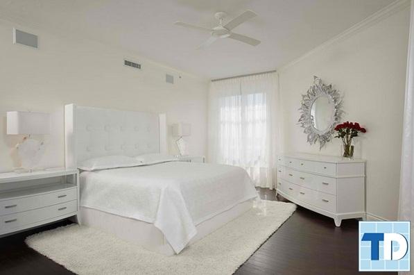 Phòng ngủ gam trắng tân cổ điển