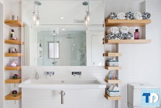 Lắp gương trong phòng tắm tiện dụng