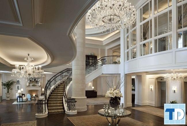 Phòng khách biệt thự rộng lớn nguy nga lộng lẫy