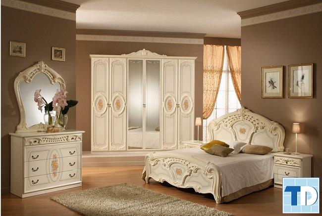 Phòng ngủ tân cổ điển trắng đơn giản