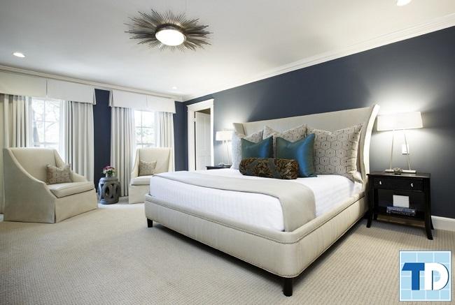 Phòng ngủ master rộng lớn sáng màu