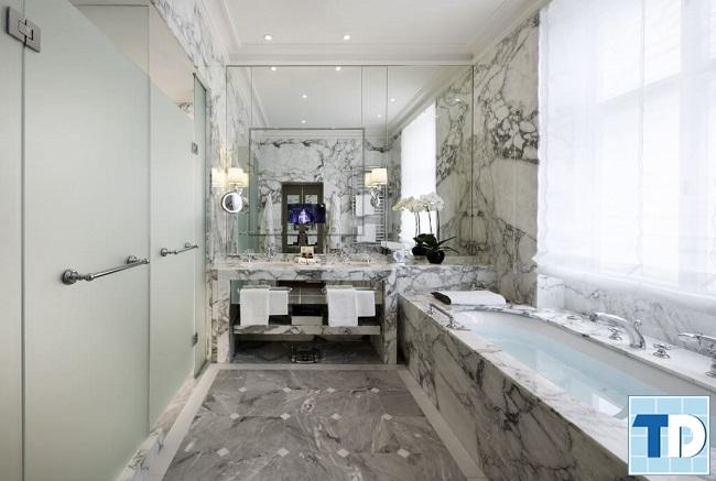 Phòng tắm trang nhã tiện nghi với nội thất cao cấp