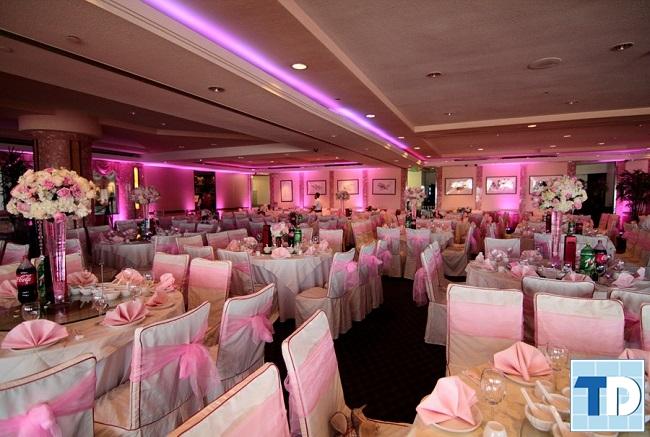 Không gian nhà hàng tiệc cưới lãng mạn
