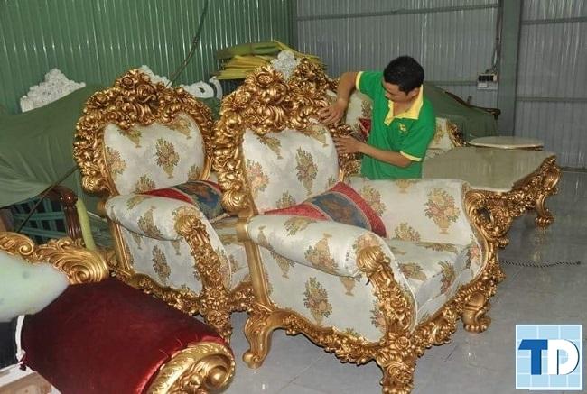 Ghế sofa sau khi được bọc đệm và sơn
