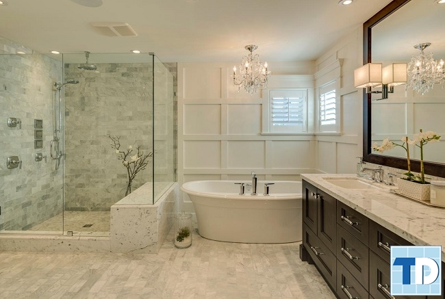 Bồn tắm và phòng tắm đứng sang trọng