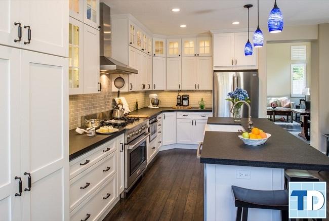 Phòng bếp sử dụng kim loại