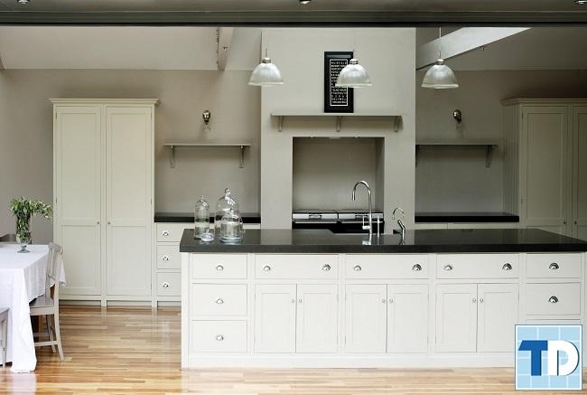 Không gian bếp gam màu trắng trang nhã
