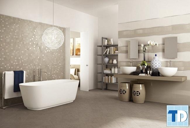 Phòng tắm với thiết bị vệ sinh cao cấp, trang trí đẹp