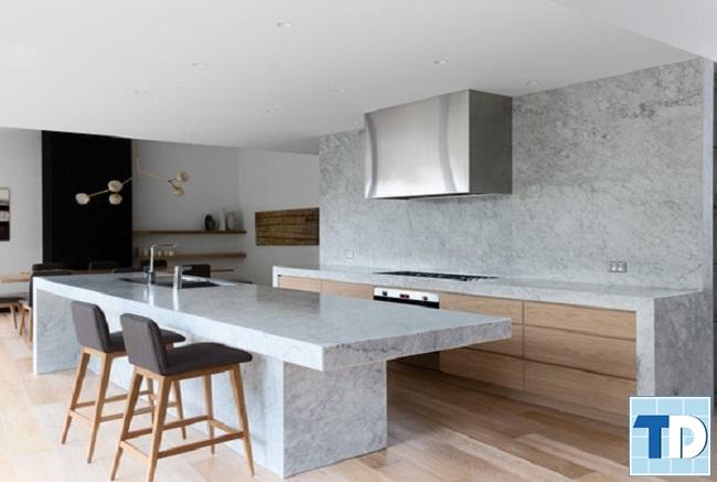 Phòng bếp đơn giản tiện nghi